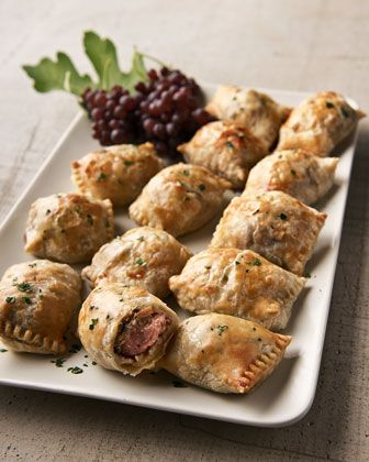 beef wellington minis  http://rstyle.me/n/tnsbspdpe