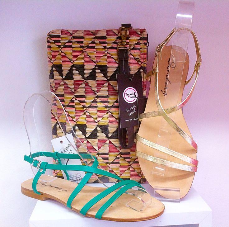Sandalia tiras oro y color verde