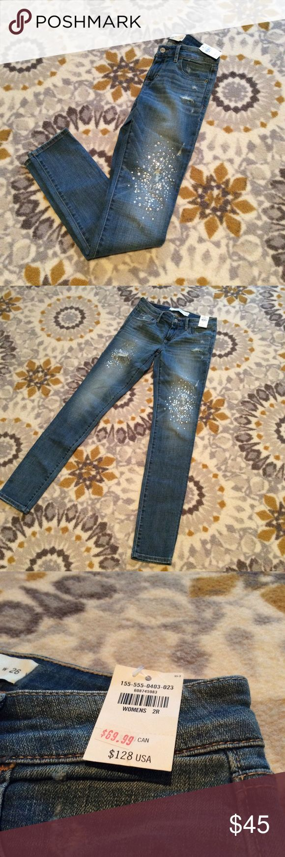 CLOSET CLEAROUT! NWT Abercrombie and Fitch Jeans NWT Abercrombie and Firch Embellished Skinny Jeans. These jeans are so unique and flattering. Great for your NYE celebration! Smoke-free home :) ask questions, make a reasonable offer and bundle bundle bundle!! Abercrombie & Fitch Jeans Skinny