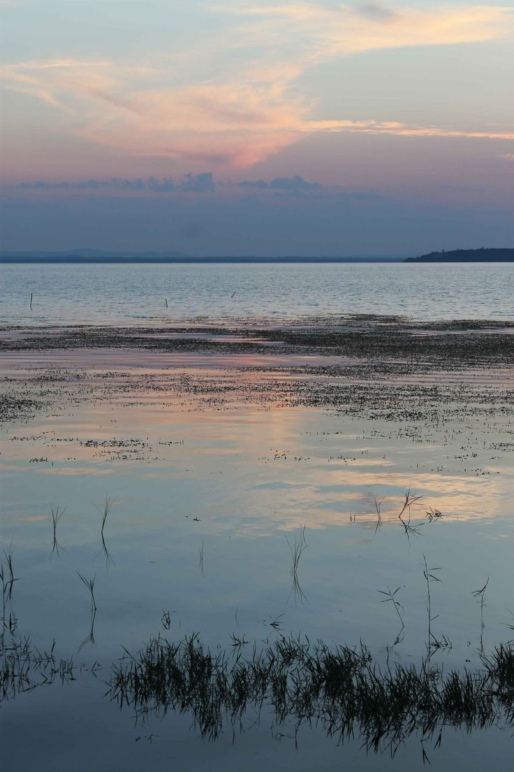 Juli 2013 - zonsondergang aan het Lago di Trasimeno vanaf Torricello.