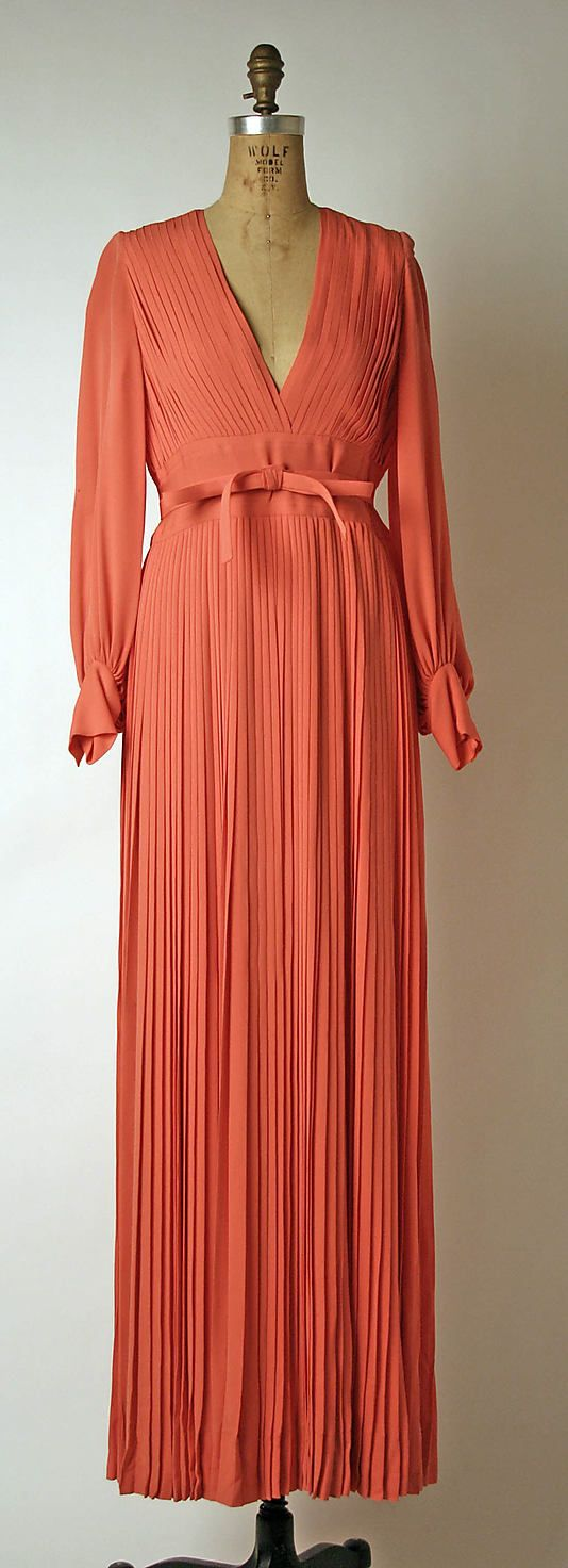240 best 1970 1979 dresses images on pinterest fashion for Couture house dresses