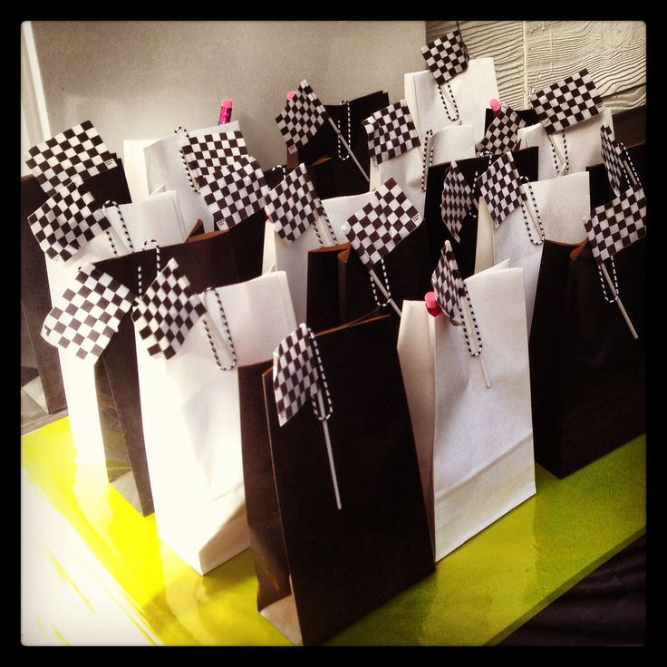 Racing loot bags, black and white, racing car kids party