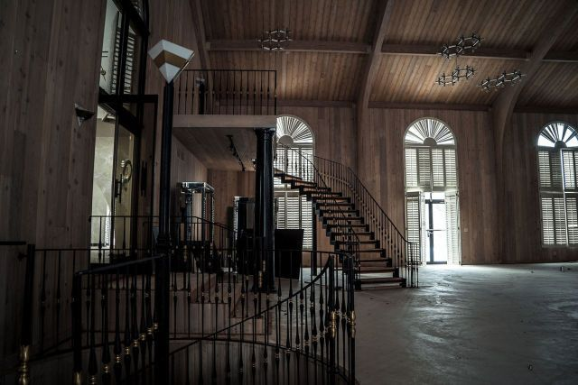 10 Photos of Mike Tyson's Abandoned Ohio Mansion  - Esquire.com