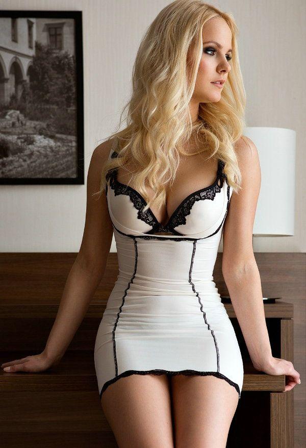 Gostosa de vestido apretado part 1 - 2 1