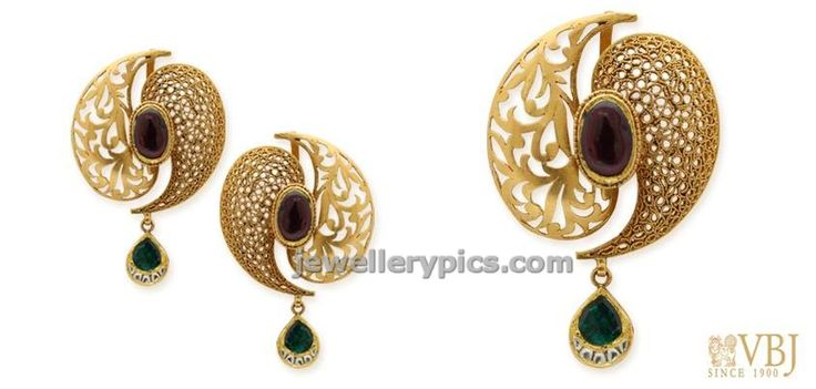Intricately finished eardrops and pendant by VBJ - Latest Jewellery Designs