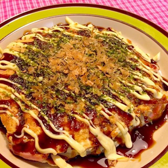 ダンナさまは最後の忘年会でお1人さまな夕食(^O^) なのでー私の大好きなお好み焼きー(≧∇≦) ダンナさまはあまり粉ものが好きじゃないのでいない時にー(≧∇≦) 2014.12.26 - 55件のもぐもぐ - タコ焼き粉でお好み焼きな夕食 by kazu347