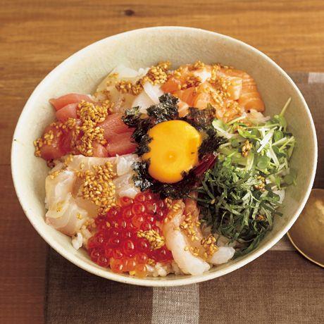 海鮮ビビンバ丼 | コウケンテツさんのどんぶりの料理レシピ | プロの簡単料理レシピはレタスクラブニュース