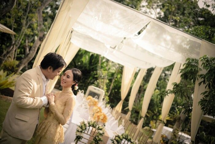 Thailand wedding dress