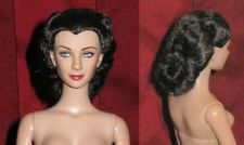 Tonner Gone with the Wind GWTW Scarlett Doll with Battlefield/ Nursing hairstyle
