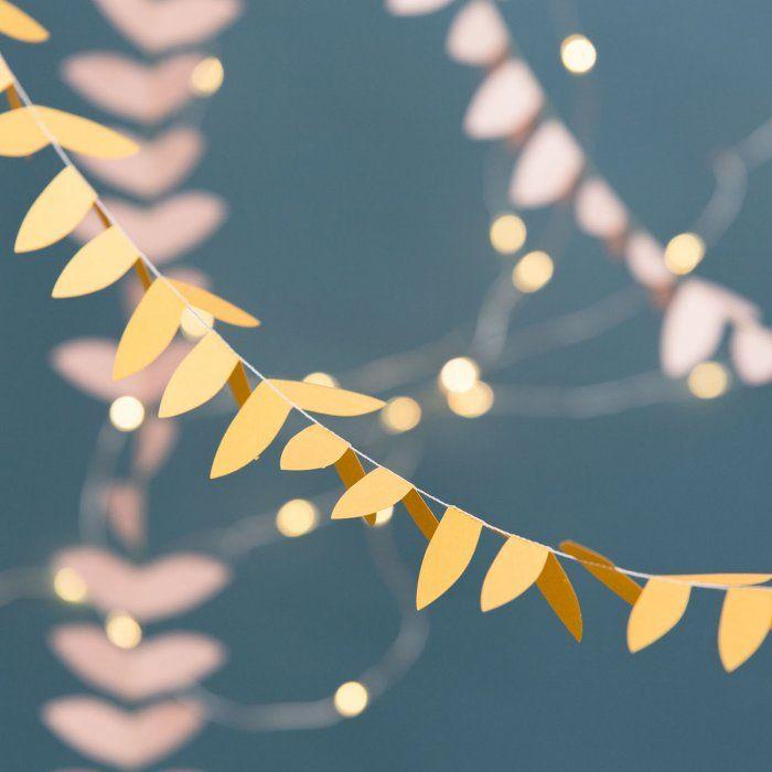 Guirlande en papier / Paper leaves garland