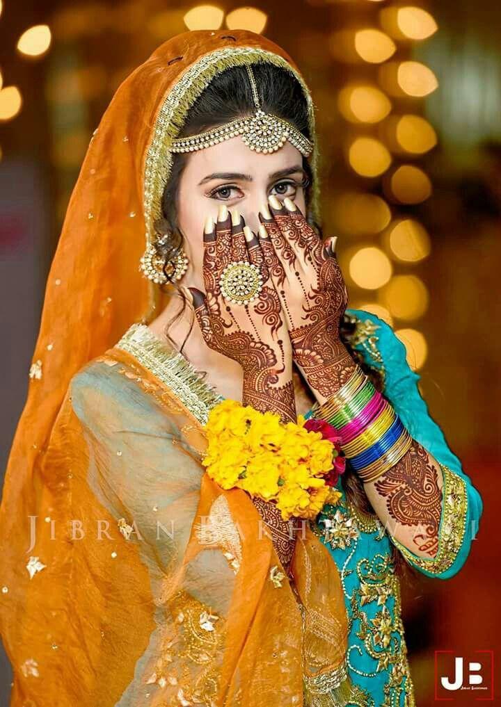 536 best mayoun mehndi dress images on pinterest for Pakistani wedding mehndi dresses