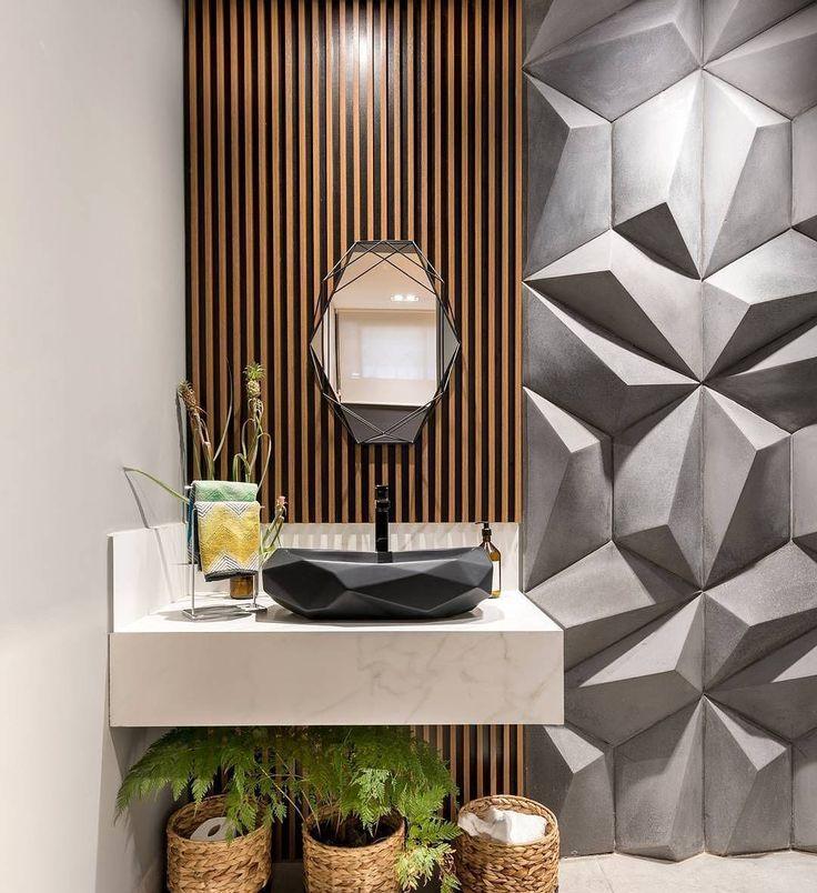 Lavabo lindo! Reparem que a cuba e o espelho acompanham as formas tridimensionais do revestimento da parede!  Projeto by Amanda Yumi  #decor #decoração #decoracao #decorating #decoration #decorate #homedecor #instadecor #architecture #arquitetura #homestyling #bathroom #revestimento #style #estilo #moderndesign #modernliving #architecture #archilovers #archidaily #designdeinteriores #interiordesign #interiors #interior  #designdeinteriores #house #interiordecor #instagood #inspiração…
