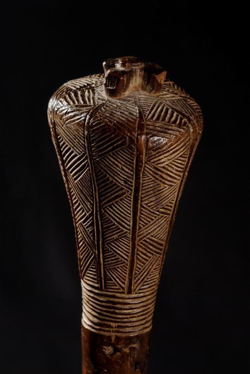 "Sceptre-massue (detail) - Chokwe - Angola 152.jpg - Sceptre-massue ""khunya"" - Chokwe - Angola 152"