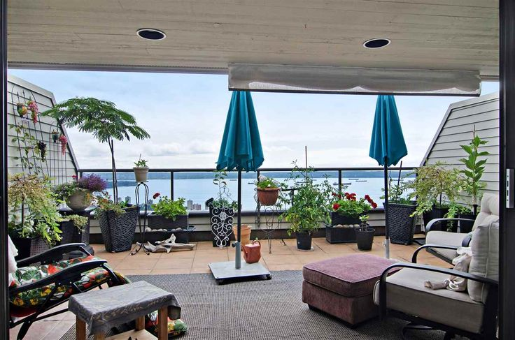 """44 2242 FOLKESTONE Way in West Vancouver: Panorama Village Condo for sale in """"Panorama Village"""" : MLS(r) # R2129200"""