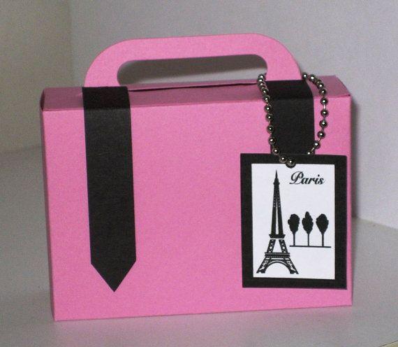 Hoi! Ik heb een geweldige listing gevonden op Etsy https://www.etsy.com/nl/listing/110500686/10-paris-themed-suitcase-favors-pink