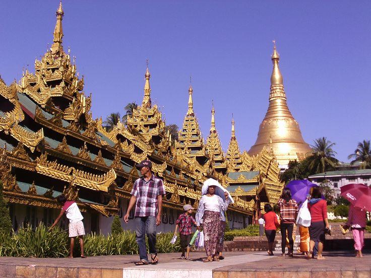 Shwedagon_Pagoda,_Yangon.jpg (2908×2181)