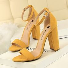 Liren 2019 Summer Fashion Lady Casual Buckle Sandals Square High Heels Round Open Toe Comfortable Breathable Women Sandals