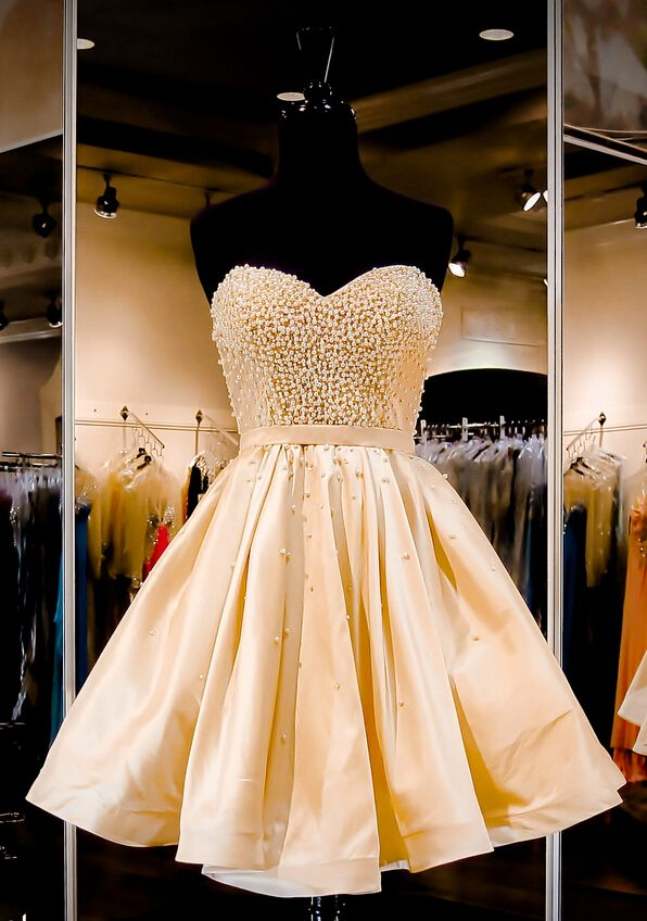 Tidetell.com Exclusive Sweetheart A-line Knee Length Satin Champagne Homecoming Dress With Beading