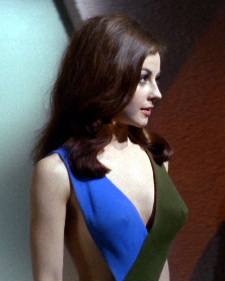 Sherry Jackson.............Juuustwatched this episode.