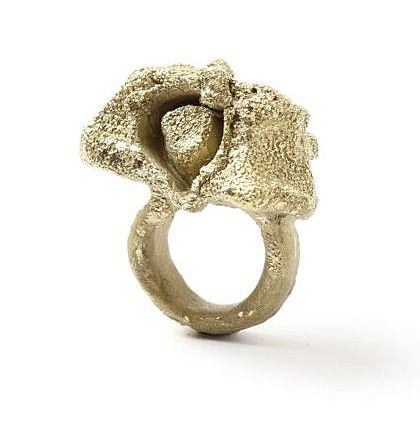 Contemporary New Zealand Jewellery by Karl Fritsch