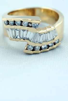 The 25 best at home jewelry cleaner ideas on pinterest home keeping your jewelry clean and beautiful does not have to be difficult solutioingenieria Image collections