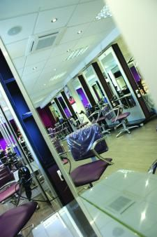 The academy offering best hairdressing courses in London, aspire to achieve excellence training. Its providing high quality learning materials to support and training achievement.