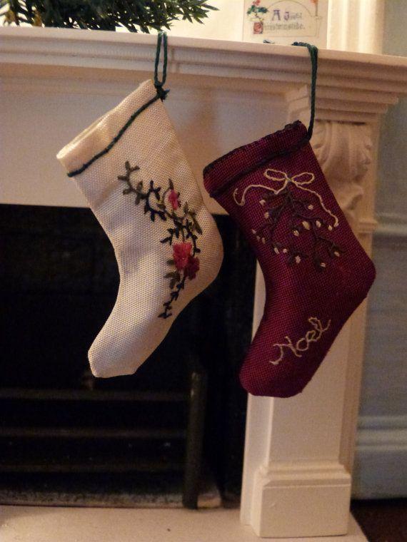 Miniature soie brodé bas de Noël par LatchkeyAndJonquil sur Etsy, €35.00