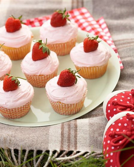 have a few too many strawberries on hand- what doesn't make it into my mouth will get baked into something good.