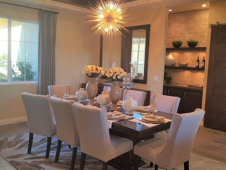 Que tal usar os vasos para decorar a mesa? Eles são super charmosos e deixam o ambiente ainda mais harmonioso! ☺