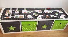 IKEA KALLAX HACK + Spielstraße = einfach und schnell aufgeklebt und wieder ablösbar! http://www.limmaland.com/ikea-spielteppich-und-ikea-spieltisch