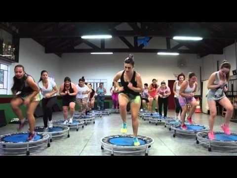 Aula de Jump, Prof Tici Ribeiro Lady Gaga - YouTube