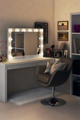 LED Hollywood mirror, LED Hollywood Mirrors with Stands - Illuminated Mirrors UK