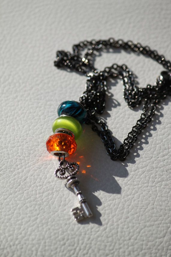 Three big beaded anker necklace with a key by DeaJewelleryStore