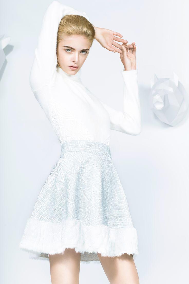Collection Russian Dolls de la créatrice Adeline Ziliox #Russian #Dolls #Poupées #Russes #Patchwork #Flower #Prinssi #Kukka #Patern #dress  #White #Fake #Fur #Snow #Flake