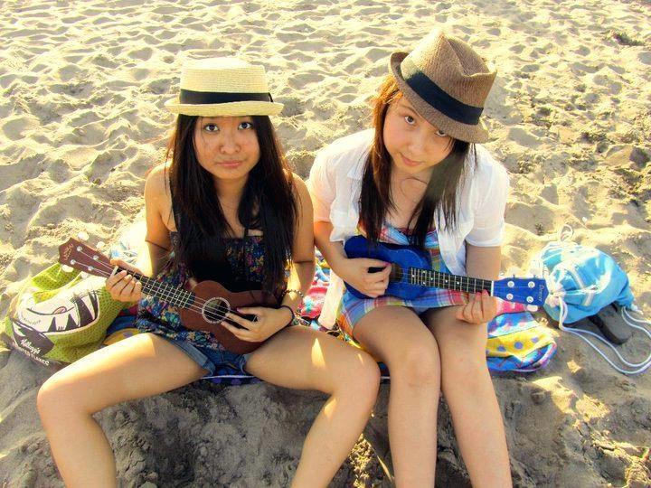 Lanikai ukulele ladies!