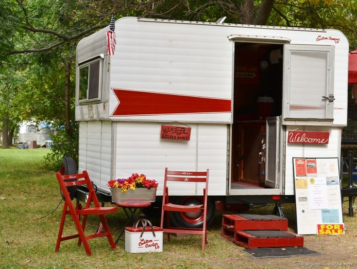 Google Image Result for http://thejoyofcaking.files.wordpress.com/2012/09/vintage-camper-rally-099.jpg