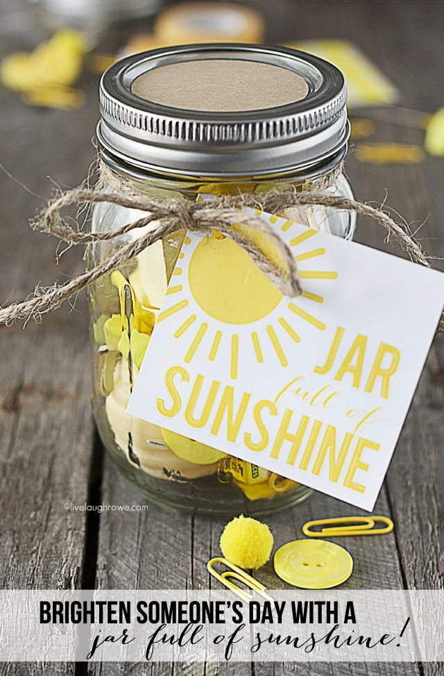 Mason Jar Gift Idea - Jar Full of Sunshine  by http://livelaughrowe.com