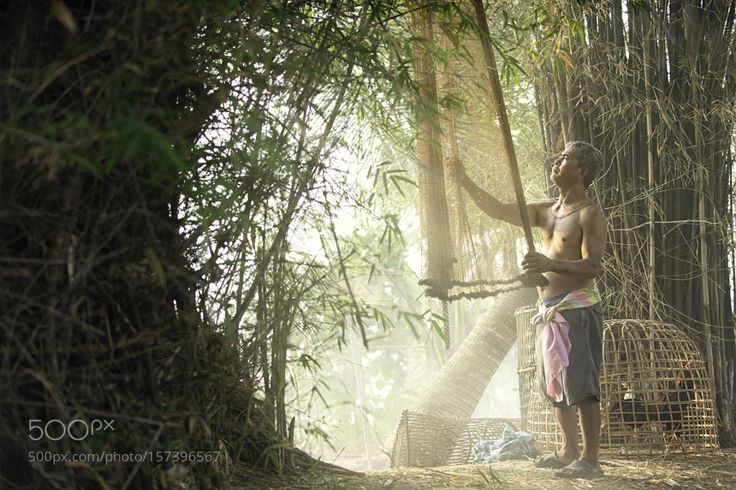 Cleaning The Net by soonthronphoto