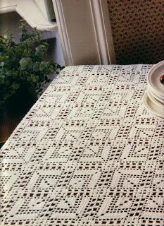 Square tablecloth with my favorites diagrams, the best will always be from Magic Crochet