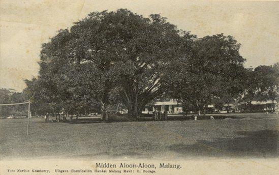 Midden Aloon-Aloon Malang circa 1910.