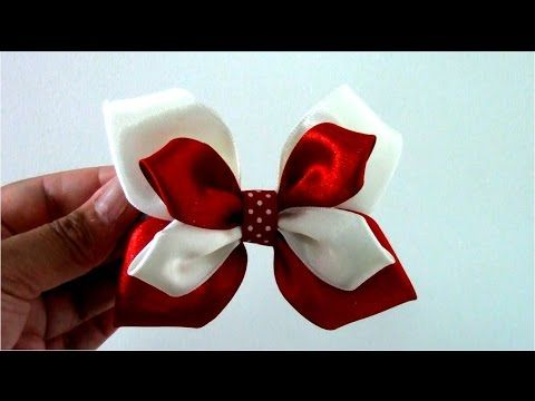 En este vídeo les enseño hacer paso a paso un lindo moño mariposa de dos colores en cintas para el cabello Materiales: 2 Tiras de cintas de raso color rojo d...