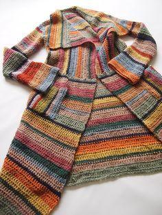 omⒶ Koppa: Crochet Cardigan a righe - scala colore vecchie case kotikulmieni