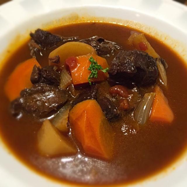 ビーフシチュー…ではなく、鹿肉を使いました。 - 58件のもぐもぐ - 鹿肉シチュー(o^^o) by Aya Ishiyama