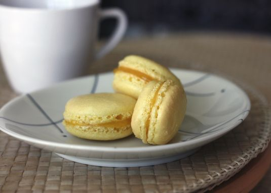 How to make macarons, Illustrated recipe and Macaroons on Pinterest