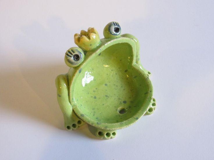 """Seifenschale """"Froschkönig"""" von AtelierKeramik       auf DaWanda.com"""