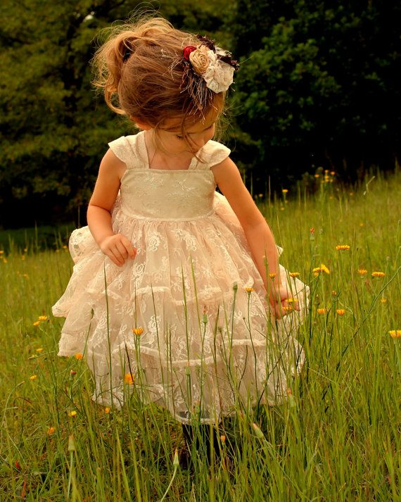 Lace Vintage Flower Girl Special Occasion Dress Sizes 6-12 M, 12-18 M, 18-24 M, 2, 3, 4, 5 Christmas Champagne color