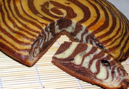 фото к рецепту Бисквит полосатый