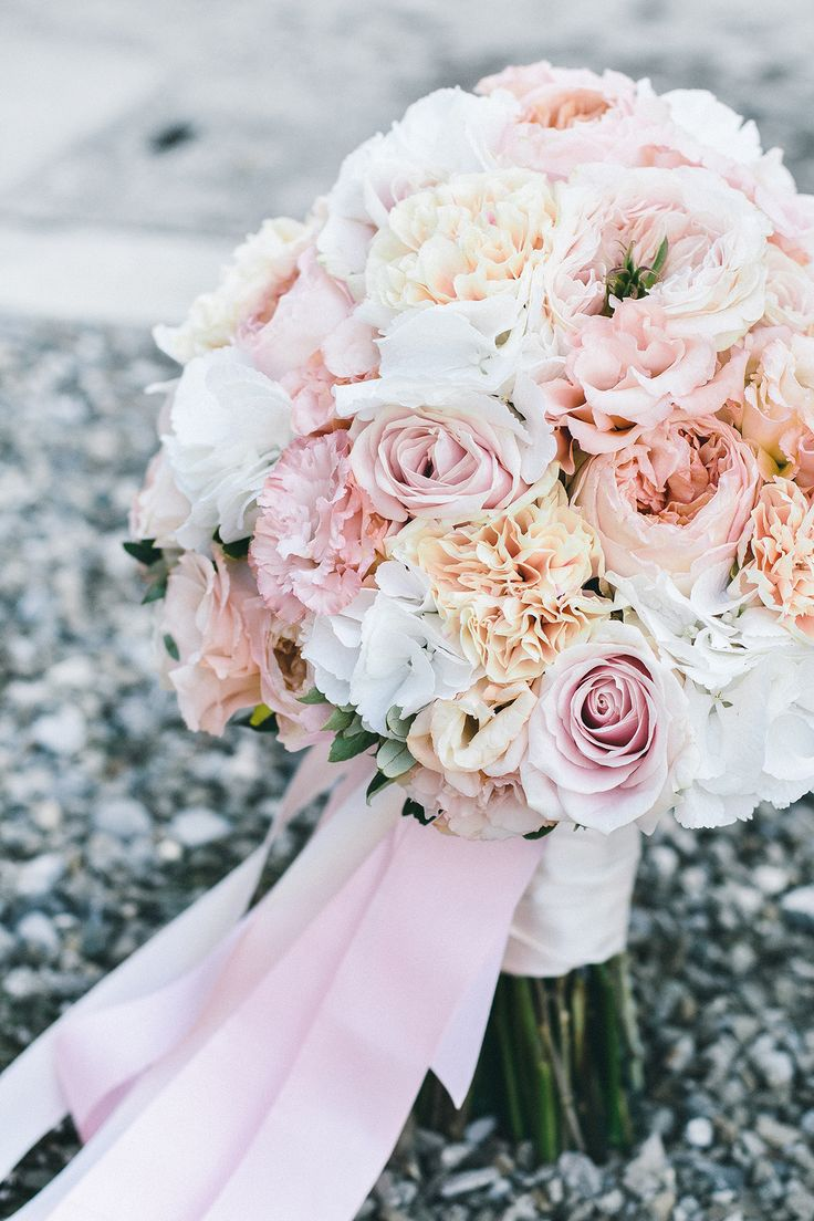 bridal bouquet with different kinds of david austin roses by TML | TABEA MARIA-LISA