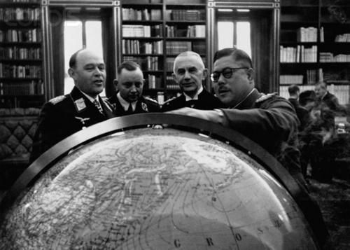 japanese and german officers -japanese general tomoyuki yamashita and german luftwaffe officers looking at the globe - Pin it by GUSTAVO BUESO-JACQUIER
