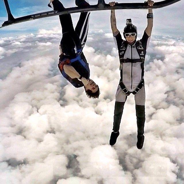 2 jumps de Helicoptero antes das dez da manha e pra deixar qq segunda feira troppo bella.. Tks lord e tks pilot.. Blessed  #skydive #helijump #freefly #life #lifestyle #muitavibe #adrenaline #behappy #ipirangaskydive